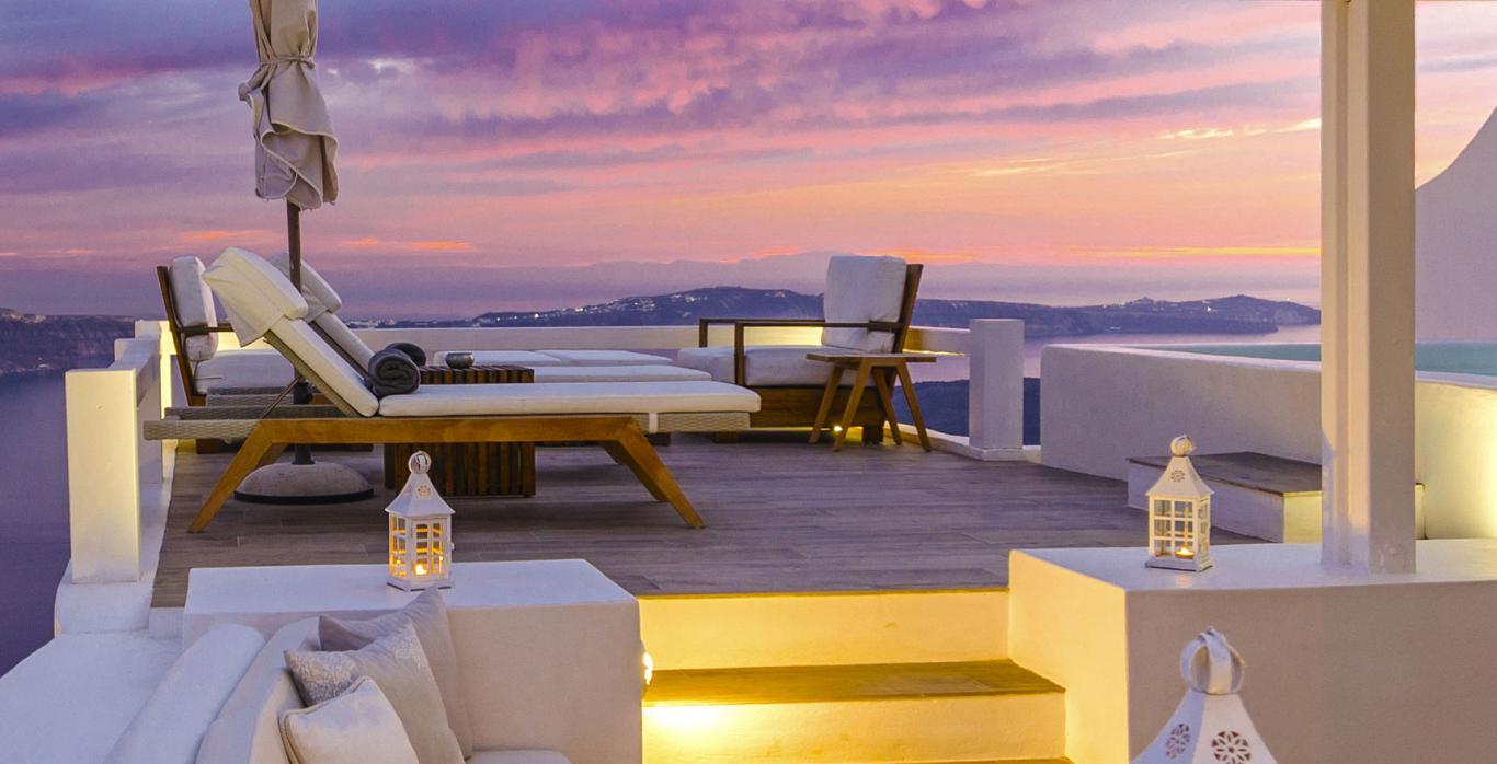 luxury Santorini Hotels