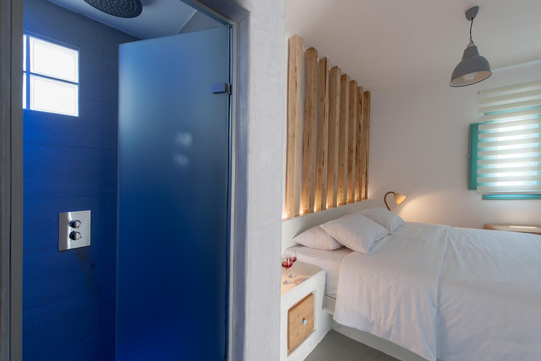 luxury hotels akrotiri santorini
