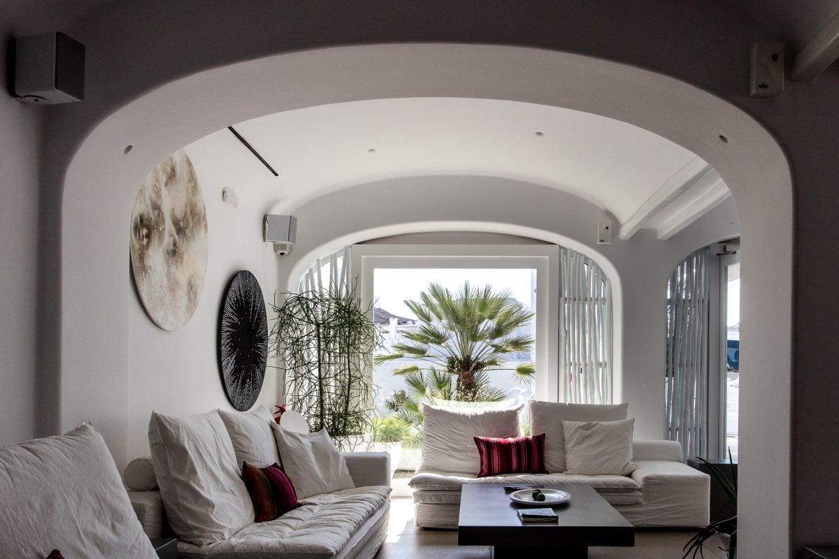 mykonos blanc hotel lounge