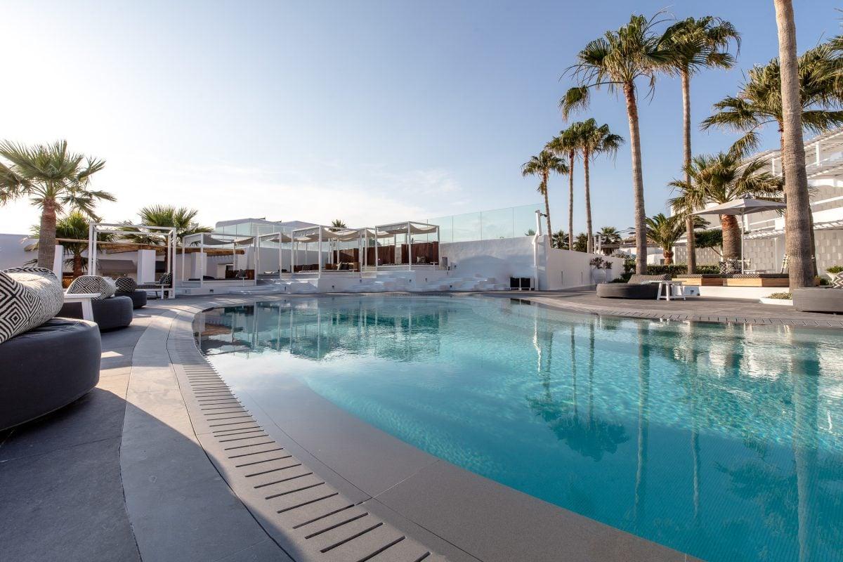 pool mykonos blanc hotel