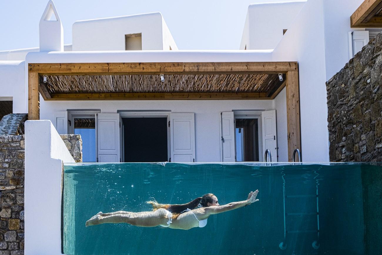 mykonos hotels pool suites