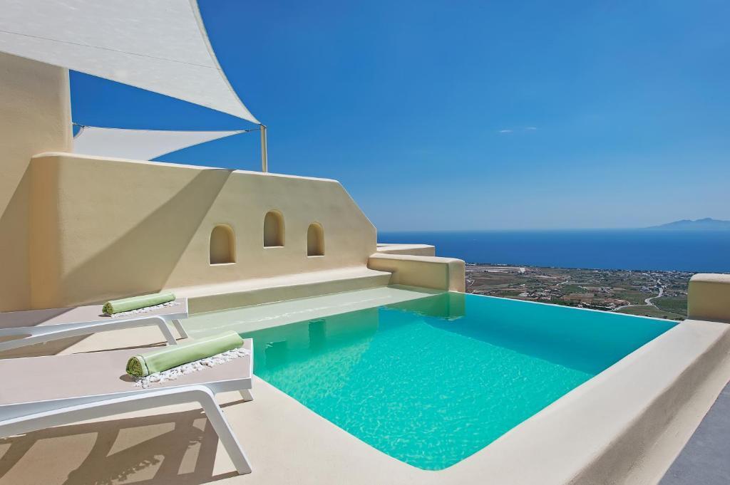 views skyfall-suites-pyrgos-santorini