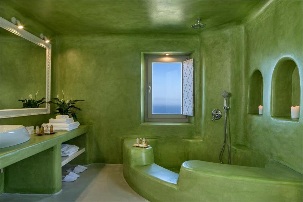skyfall-suites-pyrgos-santorini shower