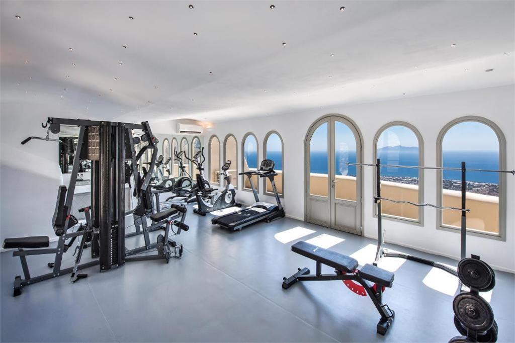 skyfall-suites-pyrgos-santorini gym