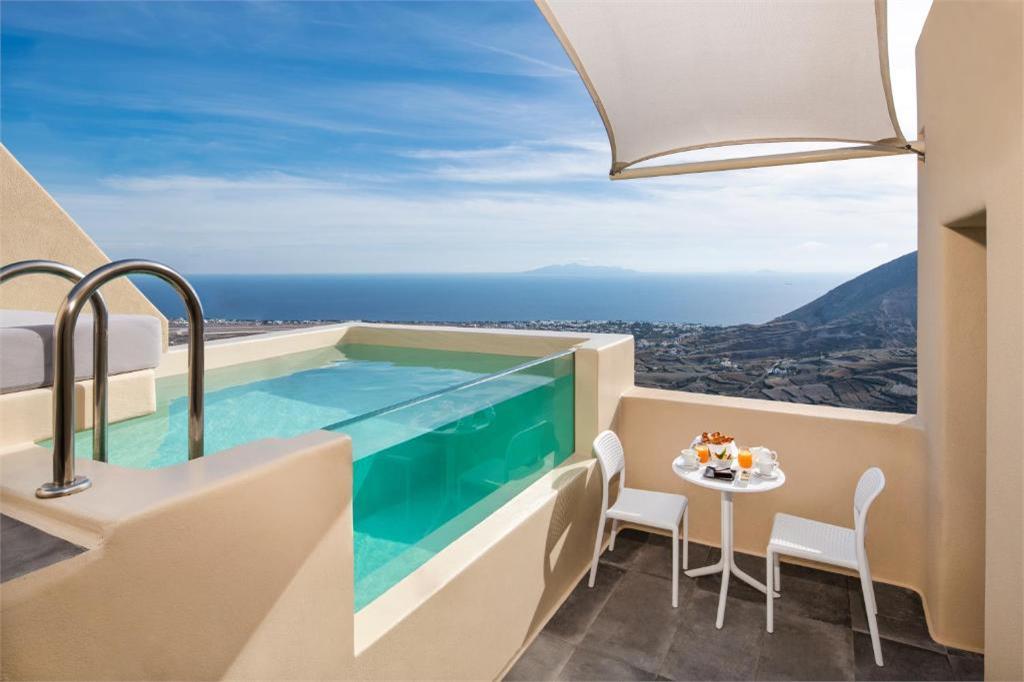 skyfall-suites-pyrgos-santorini pool
