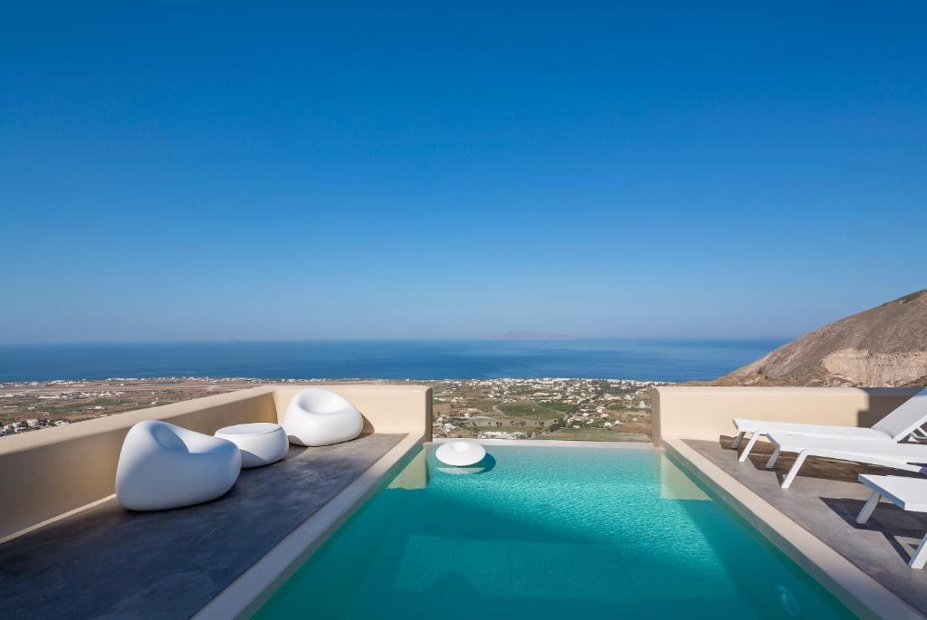 pools skyfall-suites-pyrgos-santorini