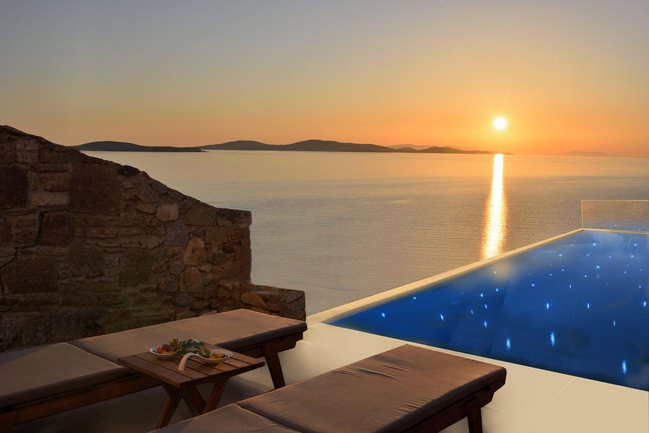 pool suites mykonos hotels